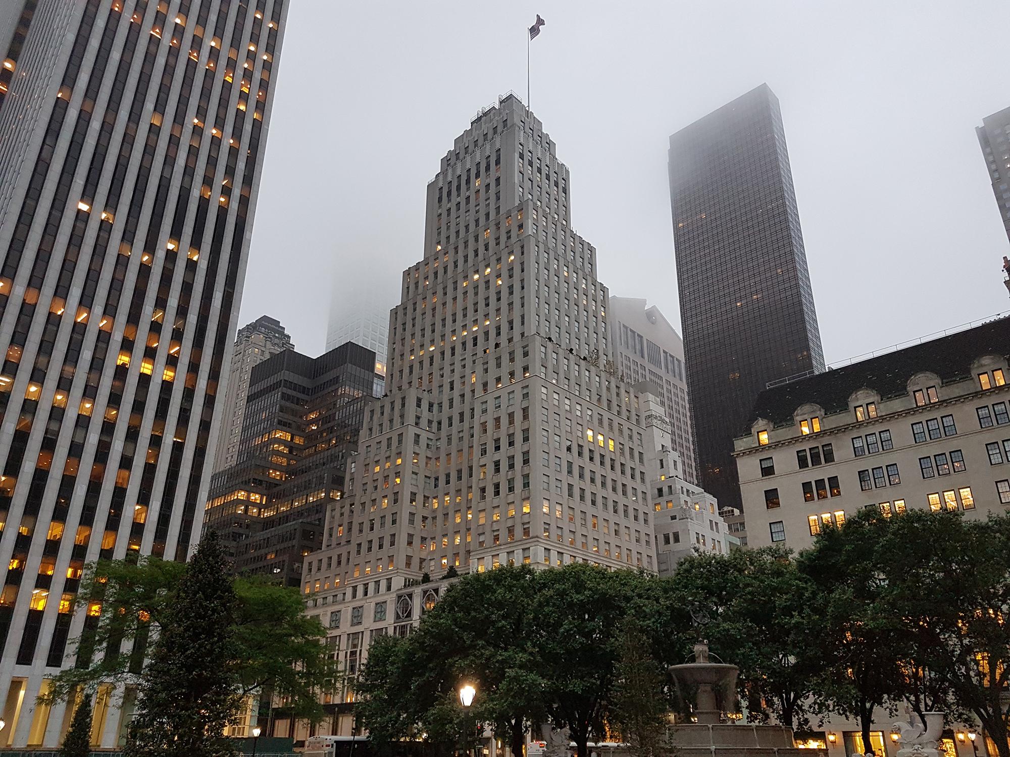 Обычный для Нью-Йорка бизнес-центр
