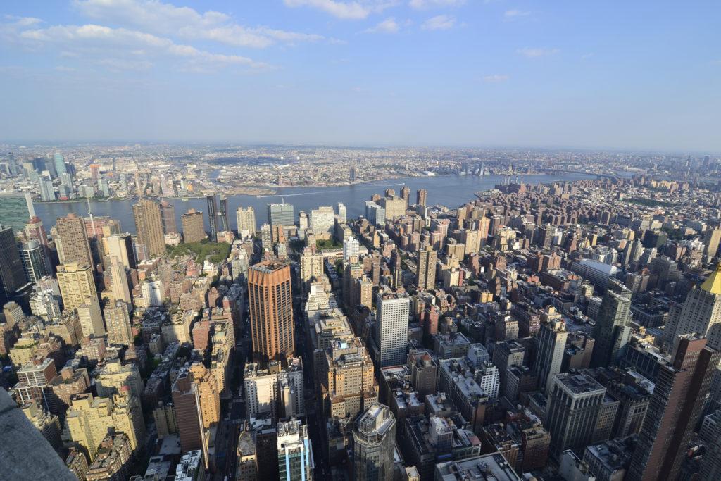Вид с восточной стороны на Куинс и Бруклин.