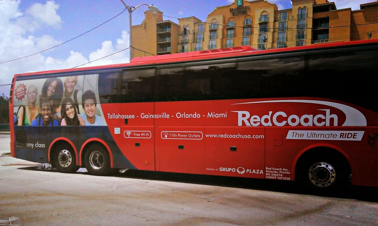 Автобус RedCoach
