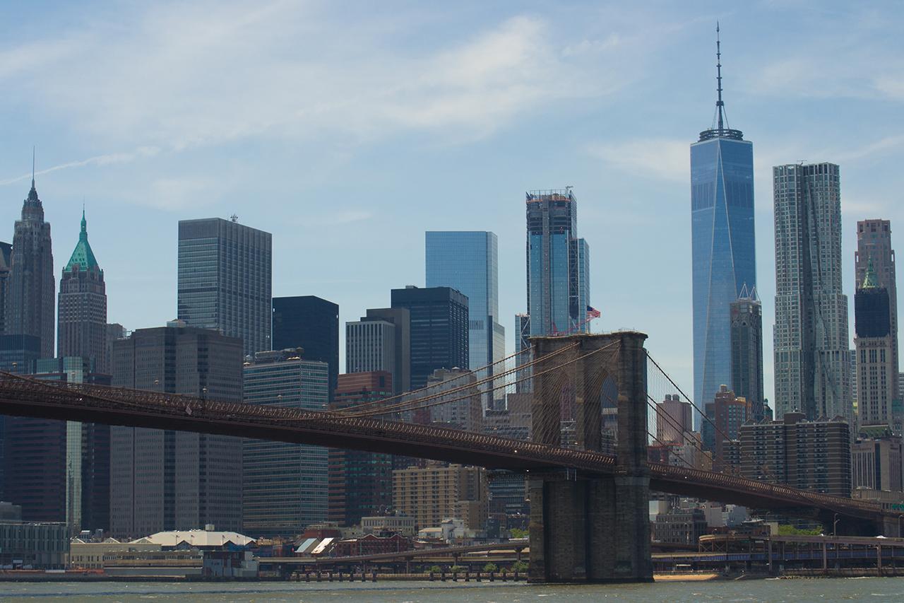 Вид на Манхэттен и Бруклинский мост