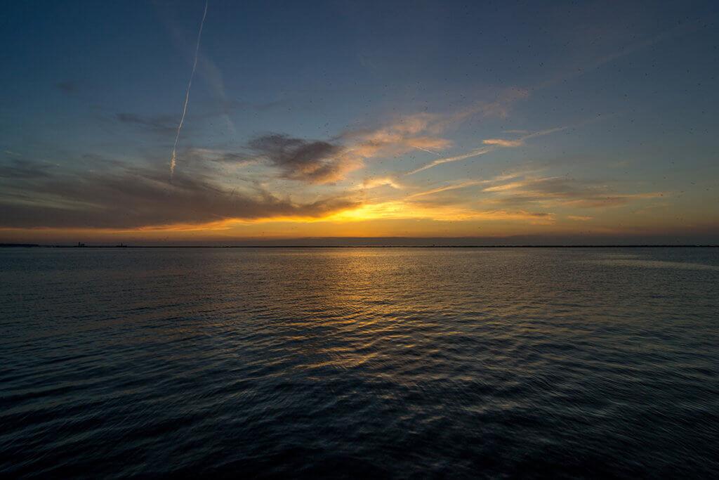 Закат на озере Эри