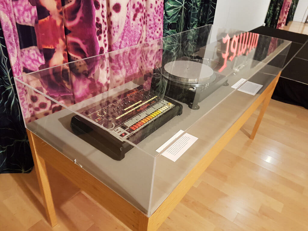 Выставка музыкальных аппаратов