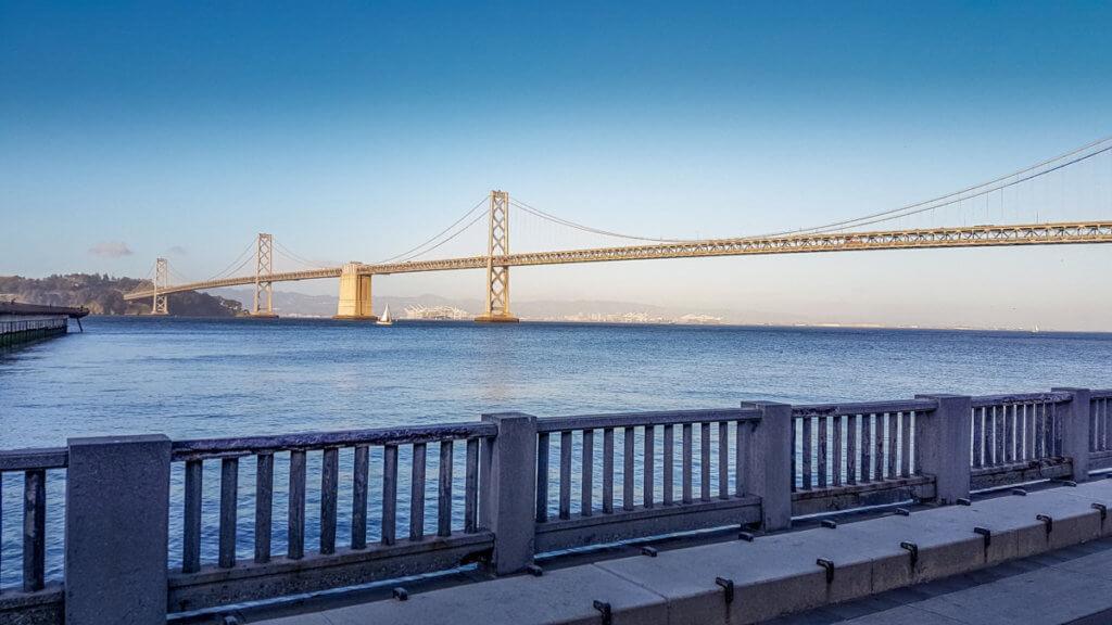 Мост между Сан-Франциско и Оклендом